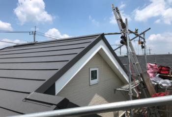 足立区のカバー工法による屋根リフォームが完成