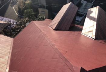 現場調査 屋根材の状態を確認