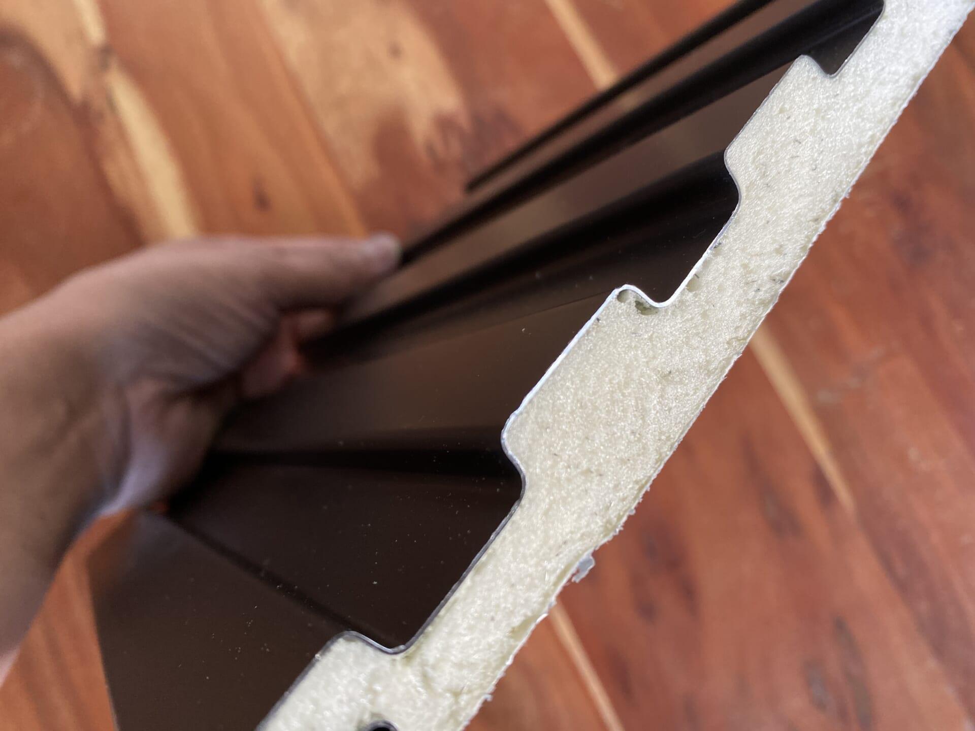 断熱材一体型の金属サイディング