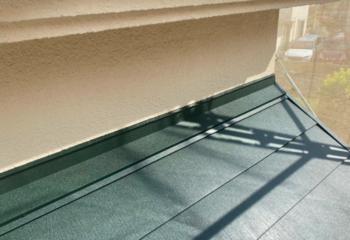 壁と屋根の取り合い(つながる)部分の雨仕舞処理