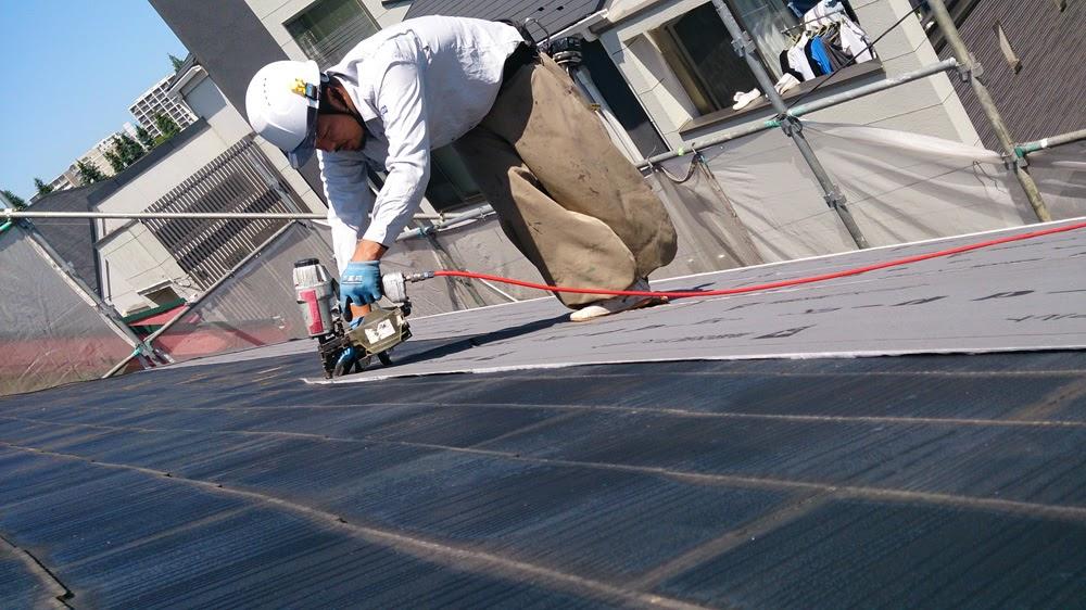 断熱材一体型の金属屋根で屋根カバー工法