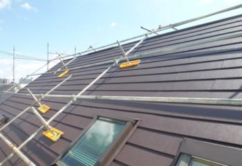 千葉市稲毛区でおこなった天窓屋根のカバー工法リフォームが完成