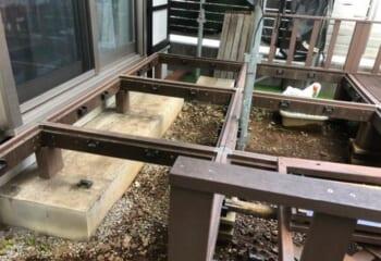 外壁回りの調整(1) お庭のデッキの取り外し