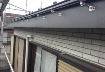 屋根カバー工法 (8)雨どいの取り付け