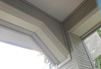 玄関部のサイディング加工