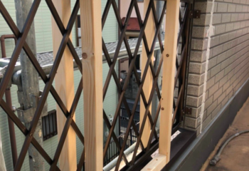外壁カバー工法 (4)フェンス部分の施工