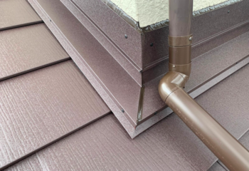 外壁と屋根取り合い部の雨仕舞