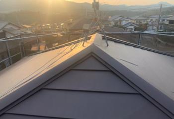 奈良県奈良市でおこなった金属屋根への葺き替え工事が完成