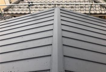 トタン屋根をガルバリウム鋼板でカバー工法(工事後)