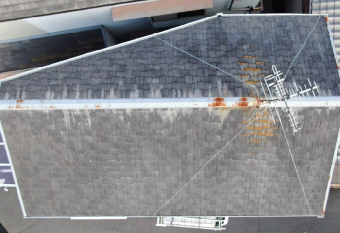 リフォーム前のコロニアル屋根