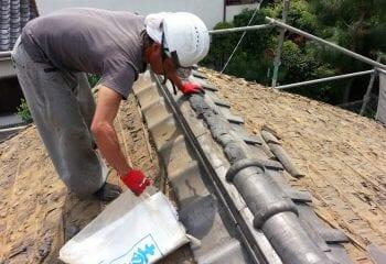 屋根瓦を葺き替えで軽量化