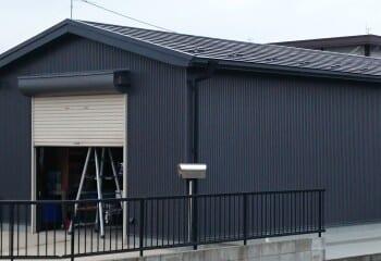 倉庫屋根のカバー工法完成
