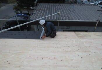 倉庫屋根カバー工法