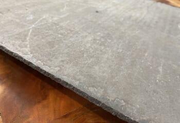 スレートの素材はセメント