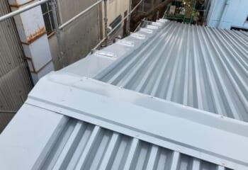 折板屋根カバー工法後の写真