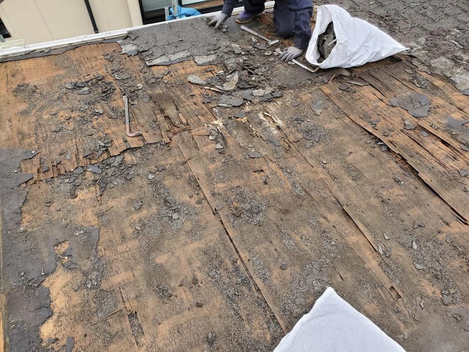 築40年のスレート屋根の野地板