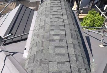 R屋根部分にアスファルトシングルを使用