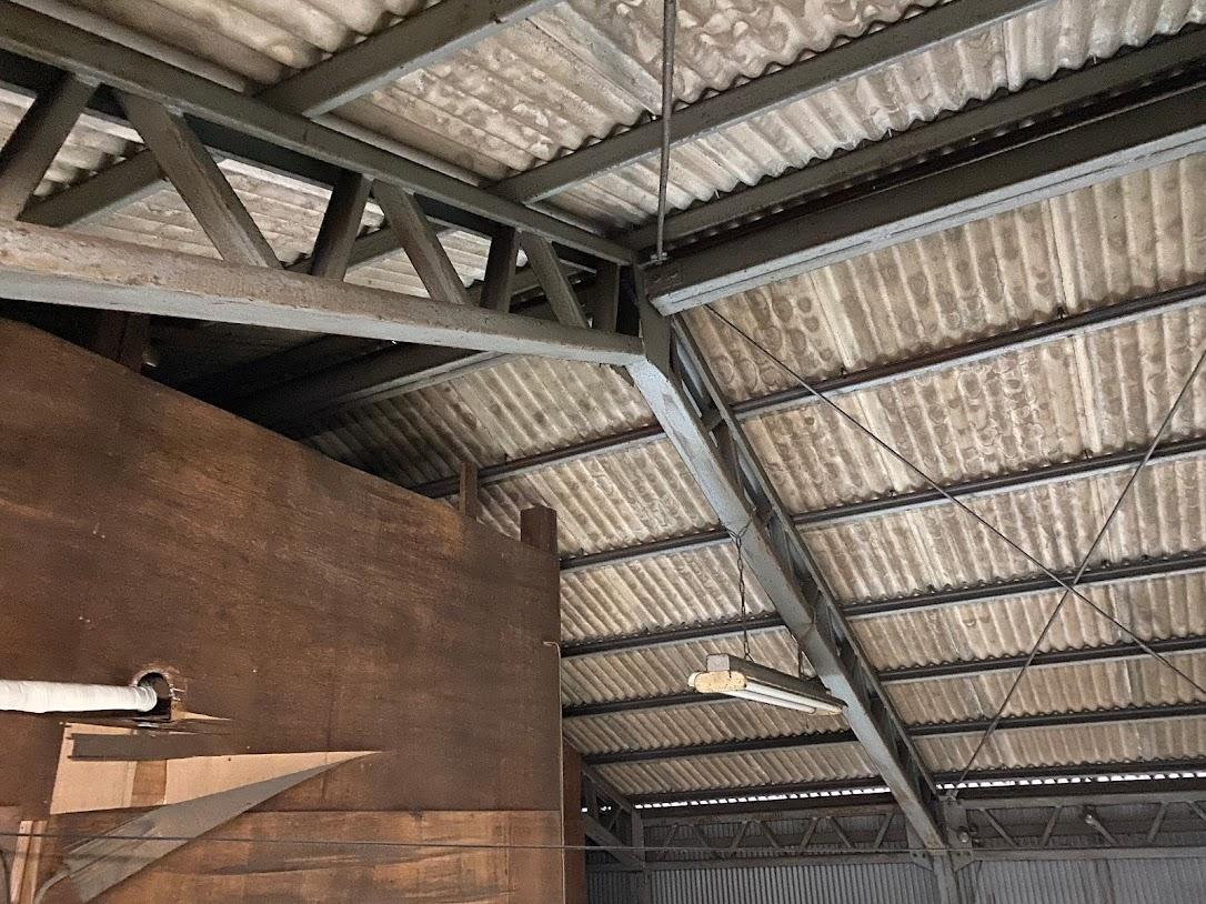 鉄骨造の屋根