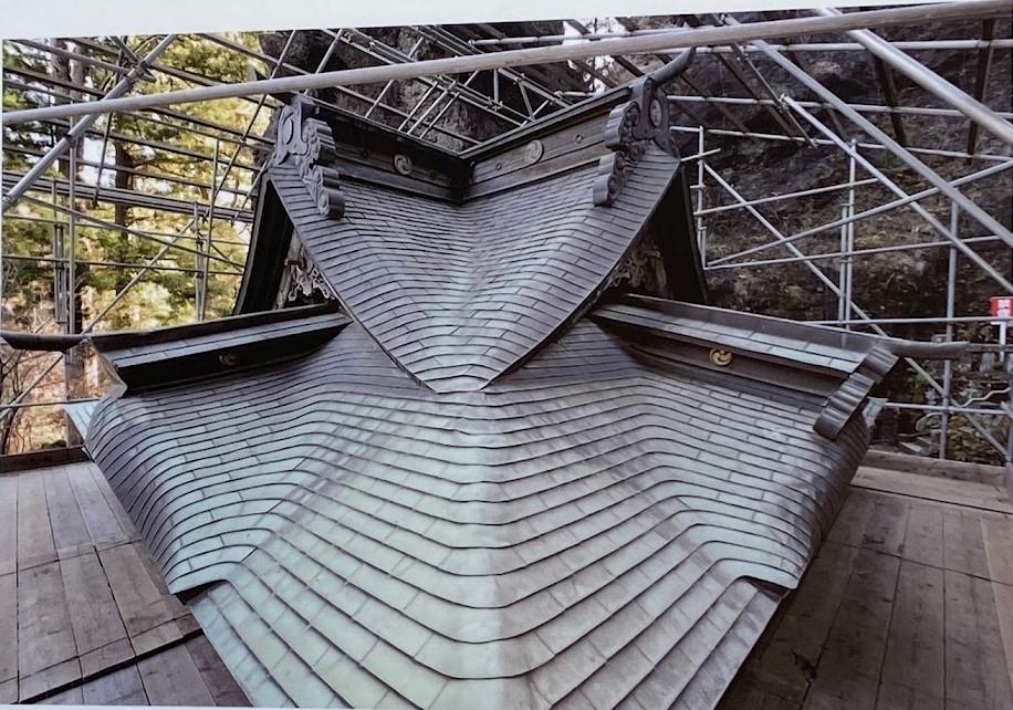 60年以上昔にカバー工法された銅板屋根
