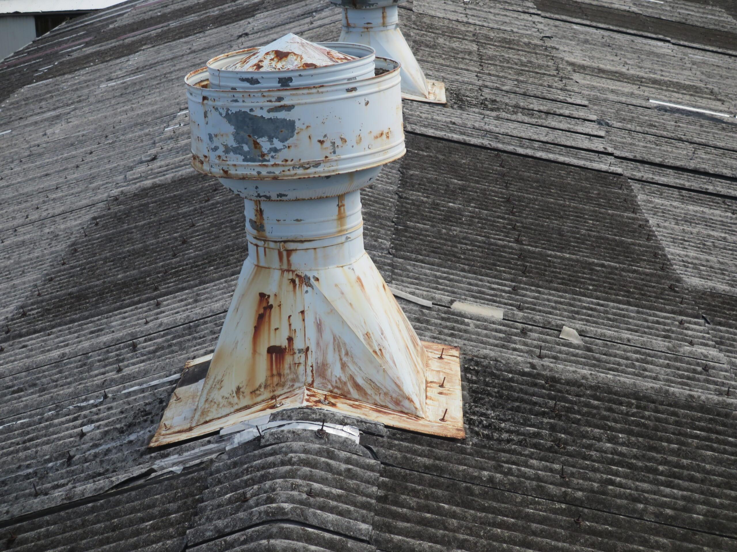 折板屋根金具取り付け