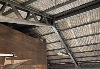 内部からみた天井の様子